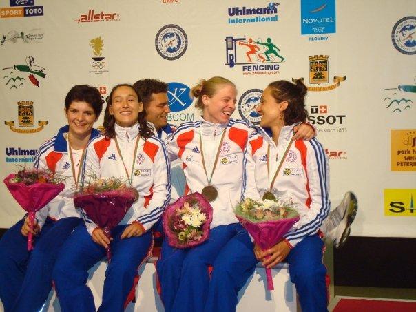 Mélanie MOUMAS - Médaille de bronze par équipe aux championnats d'Europe (à droite sur la photo)