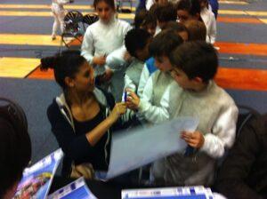 Séance d'autographe pour Ysaora Thibus