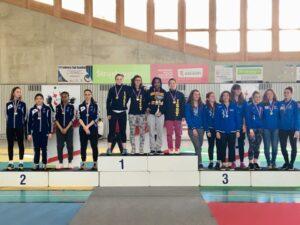 Les filles remportent la médaille d'argent par équipe